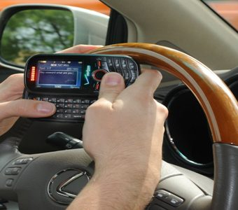 texting_driving_2
